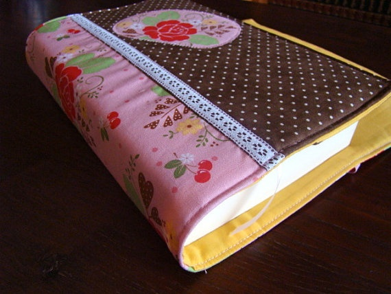 Adjustable Book Cover in Floral and Dots Cotton by SofiAlgarvia, €16.00