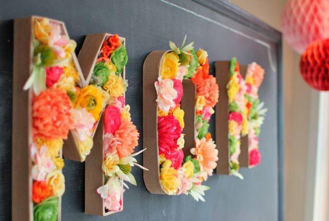letras con flores con el nombre de la madre