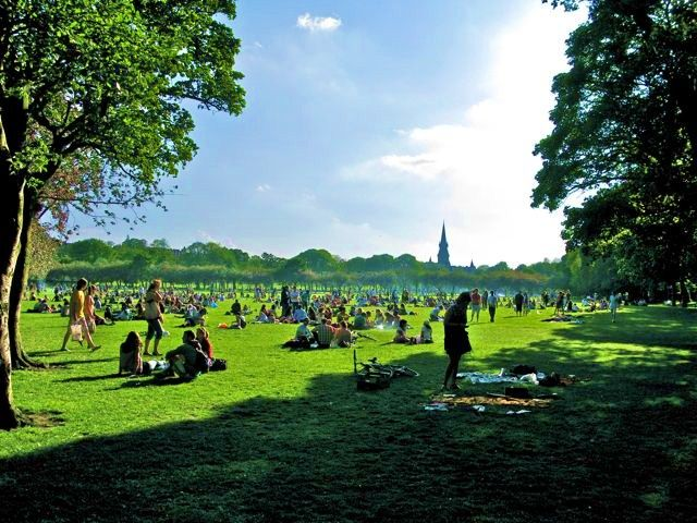 Job Hunting in Scotland. Scotland's seasonal and short-term work is centred around the tourism and service 10mins.ml summer months are the most popular as people flood into the cities and countryside to explore Scotland, an take part in the many festivals.
