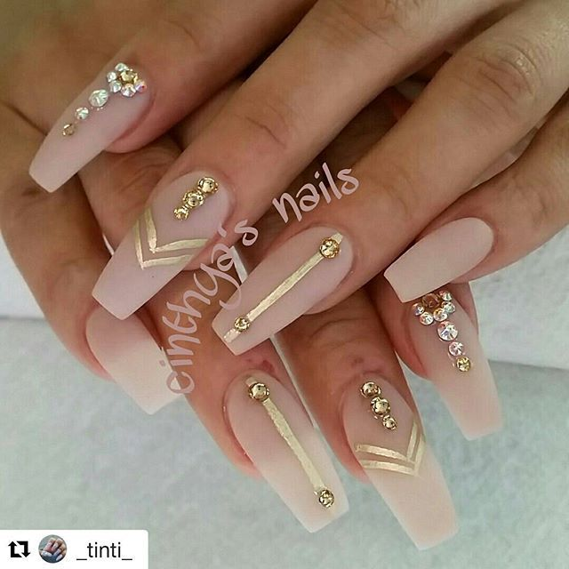 25+ beautiful Gold nails ideas on Pinterest | Acrylic nails glitter, Gold  acrylic nails and Nail inspo - 25+ Beautiful Gold Nails Ideas On Pinterest Acrylic Nails