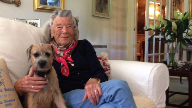 Hausbesuch: Interview mit Rosamunde Pilcher....Link page to a video interview with Rosamunde. She even mentions Ralph Lauren... what could be better??