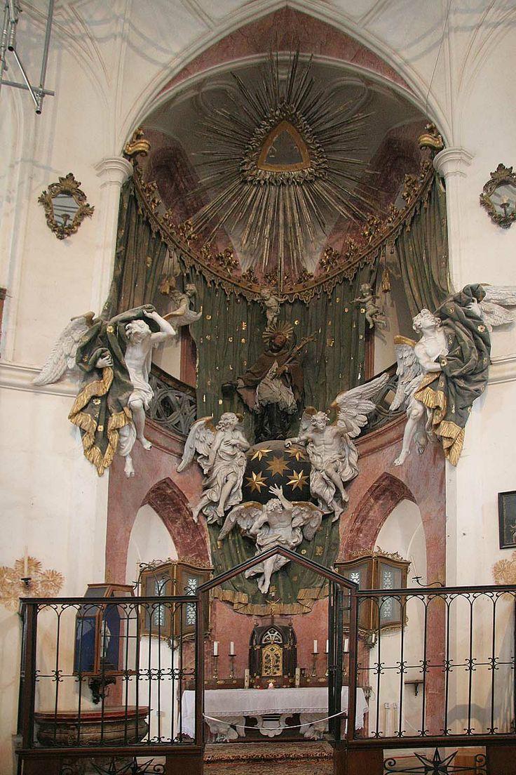 Oltář poutního kostela Sv. Jana Nepomuckého