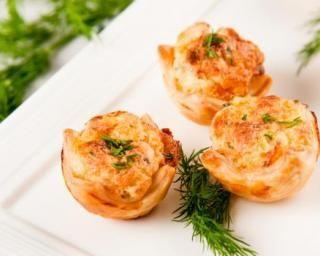 Bouchées apéritives légères au thon et à l'aneth : http://www.fourchette-et-bikini.fr/recettes/recettes-minceur/bouchees-aperitives-legeres-au-thon-et-laneth.html