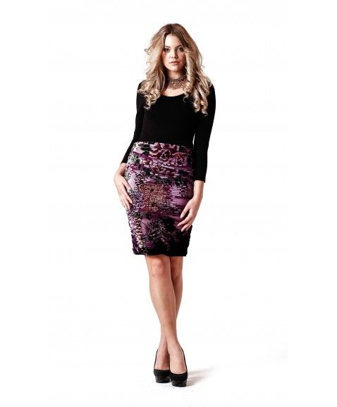 SISS ON BARE VERONICA SKIRT - PURPLE    ·     Designed in Perth, Western Australia  ·     Velvet, elastane and silk  ·     Slim fit, stretch fabric, true to size   ·     Gathered detailing at sides and front with hidden zip at back  ·     Model wears size 8