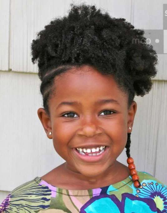 les 33 meilleures images concernant coiffure afro petites filles sur pinterest. Black Bedroom Furniture Sets. Home Design Ideas