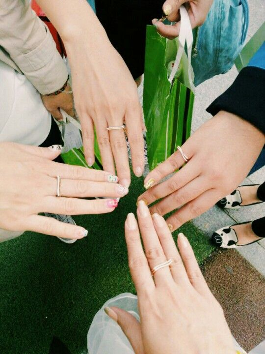 Friendship rings