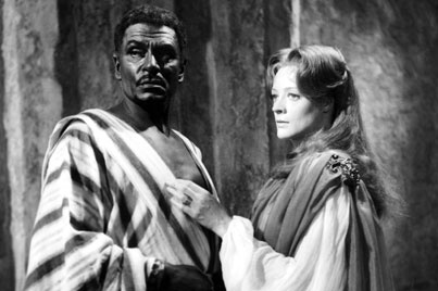 1965 - Laurence Olivier and Maggie Smith in 'Othello', adaptation for the screen of the National Theatre production