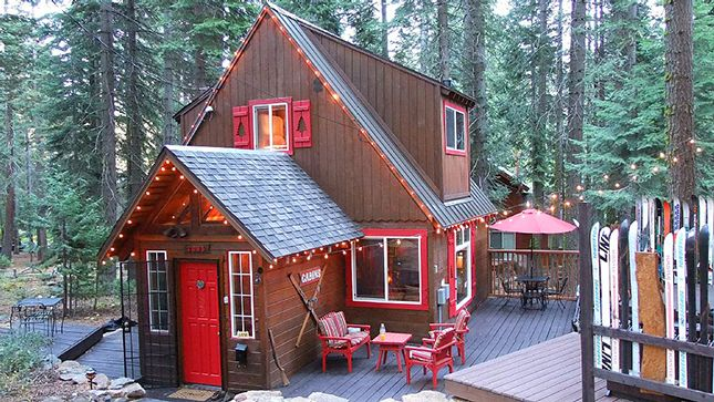 How cute is this Tahoe cabin?