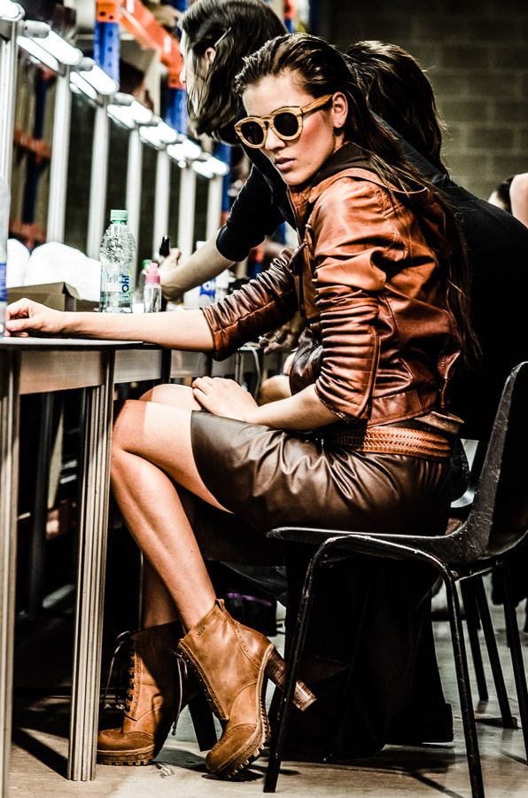 Vélez for leather lovers | Backstage Herencia Industrial