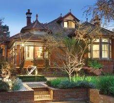 virtual real estate: The Historic Australian Brick House