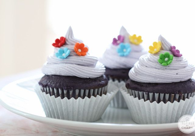 Purple Velvet Cupcakes   Inspired by Charm  I thought these were super good idea!