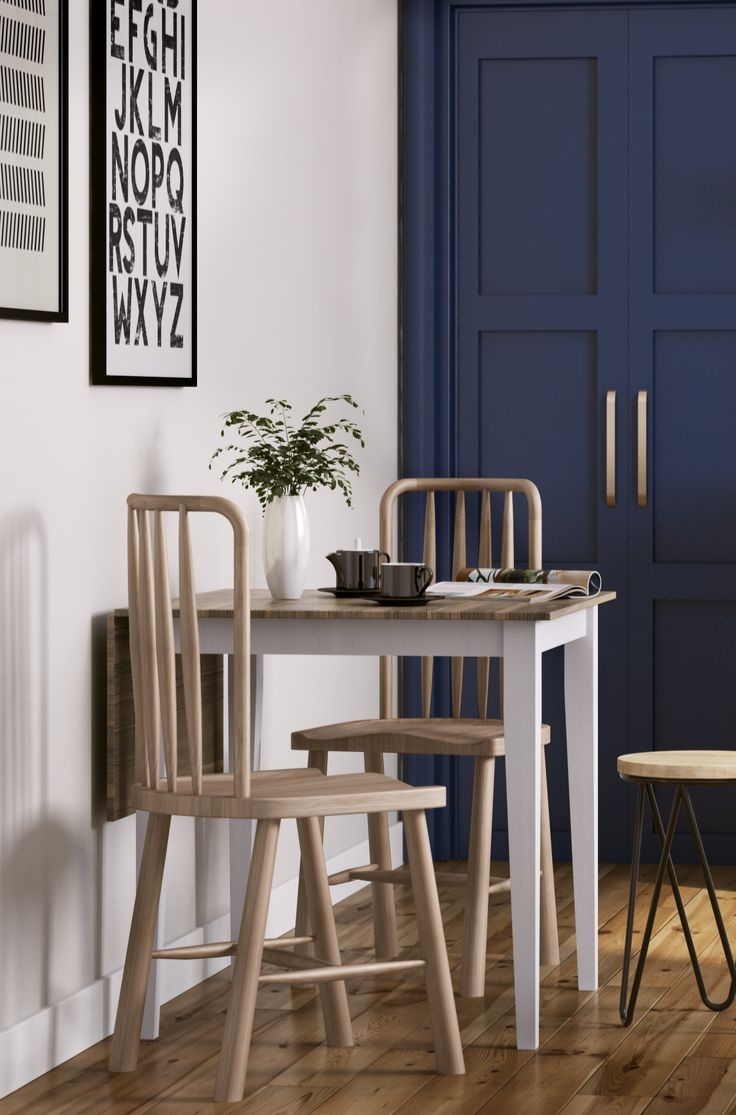 Oak dining chair in Nordic style with a natural wood finish