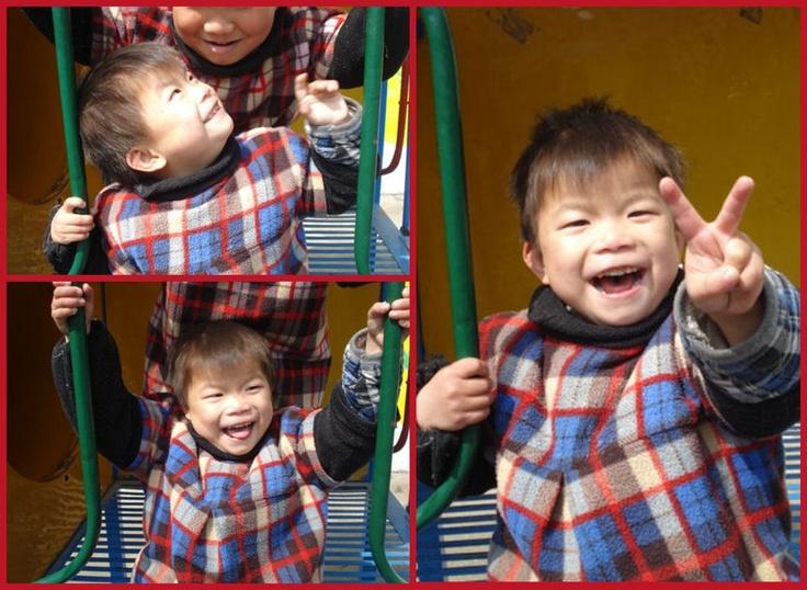 Faith es una niña activa y divertida a la que le encanta jugar en el patio del colegio. Está en el programa de familias de acogida de Anhui. Se lo pasa muy bien ¿verdad?