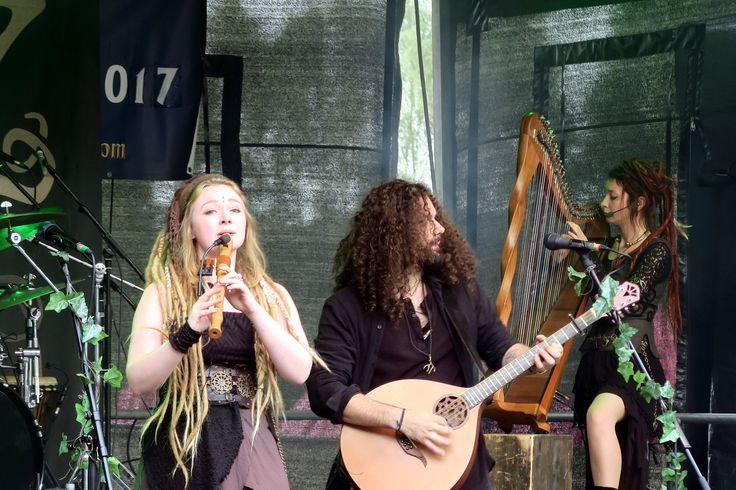 Waldkauz on stage at Festival-Mediaval X. #Waldkauz #FestivalMediavalX