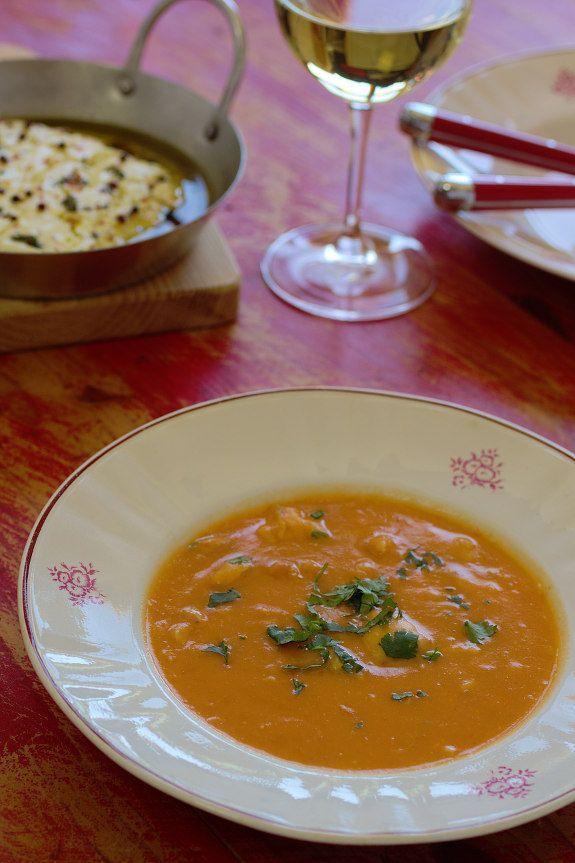 Cinco Quartos de Laranja: Sopa de peixe espada preto com tomate