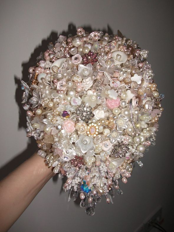 crystal wedding flower bouquets 20 best images about beaded wedding bouquet on 3216