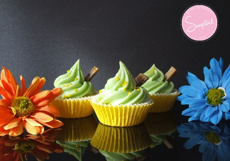 Cupcakes elaborados en Jabón Artesanal y Aromatizados con extracto natural de Vainilla.