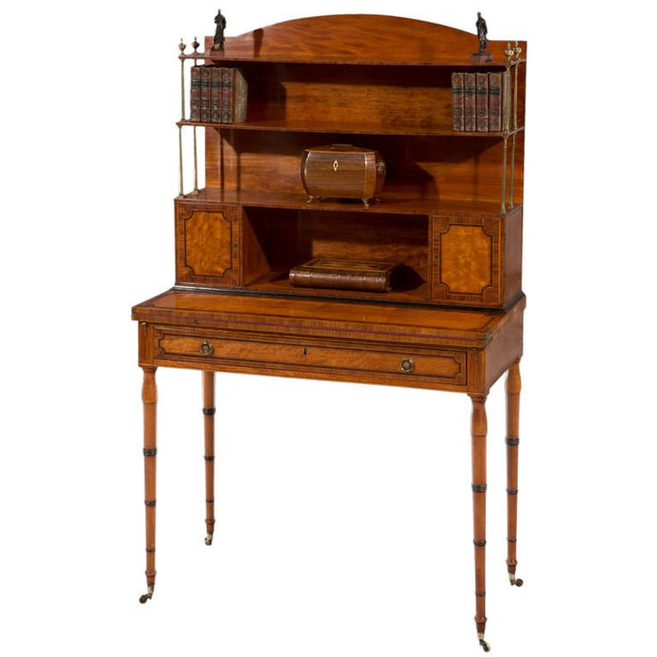 Fine george iii hepplewhite period satinwood veneered for Entreposage de meuble