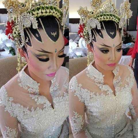 """Paes Ageng""  Java traditional make up wedding..."
