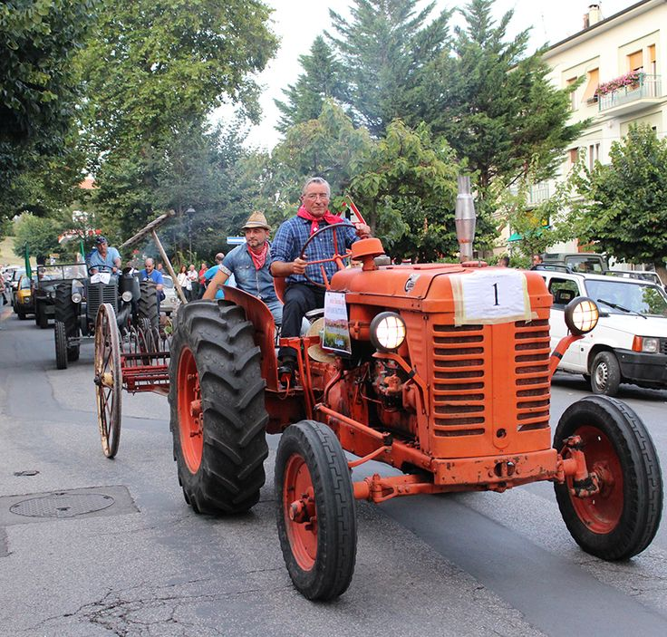 Uno dei due trattori in apertura