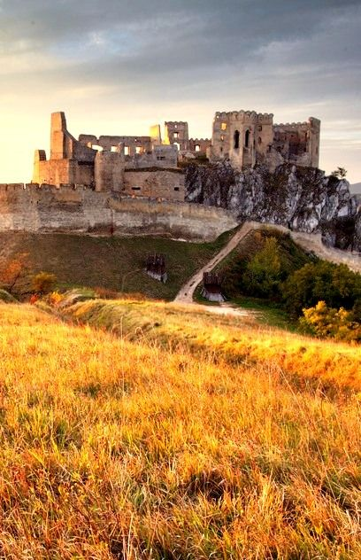 CASTLE RUINS BECKOV Mysterious remains of Beckov castle attract visitors thanks to numerous legends connected to its rich history dating back to 13th century and interesting events that are held here in the summer. #Slovakia #castle