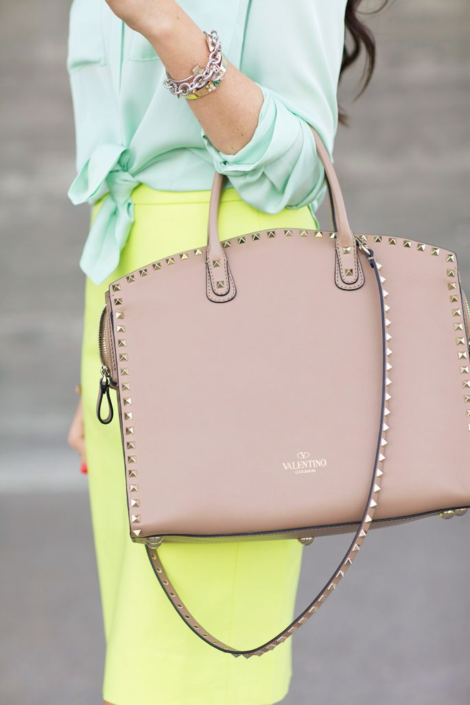 Gorgeous Valentino Rockstud Tote Bag