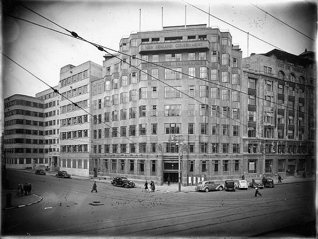 State Insurance building on the corner of Stout Street and Lambton Quay, Wellington, ca 1942