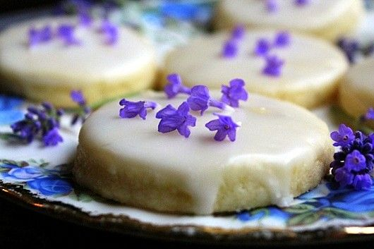 More than just a heavenly scent, lavender can be used in baked goods, like this buttery shortbread created by Kevin Lee Jacobs of A Garden for the House. Harvest lavender from your own herb garden and follow his step by step instructions. || @kevinleej