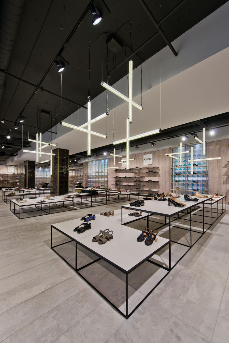 Gallery of Shoe Gallery / Plazma Architecture Studio - 7