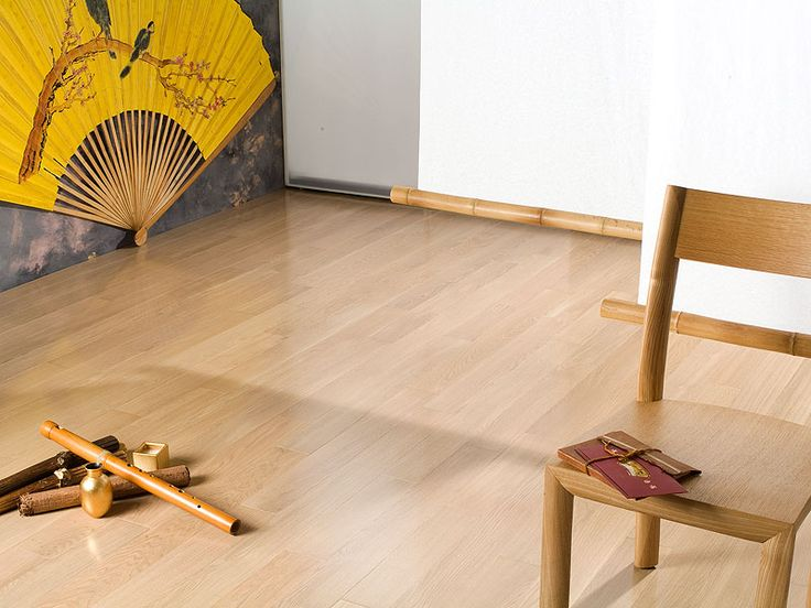 Oak Vanilla, lacquer semigloss, Select and Better. Classic Oak flooring collection by Coswick.