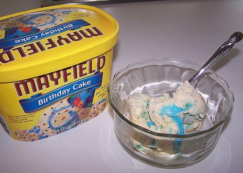 http://cakedecoratingcoursesonline.com/cake-decorating/ Mayfield Birthday Cake Ice Cream: #Create Your Own #Birthday #Cake - Get best Cakes Decoration #Tutorials on http://CakeDecoratingCoursesOnline.com - Join now!