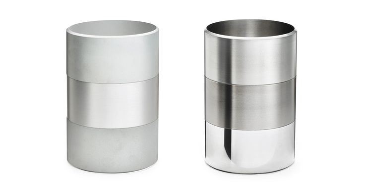 These aluminium planters by Reinier de Jong for Aphrodite Orchids were once part of the same raw tube. The surfaces you see here are: anodized, shot peened, sand-blasted, brushed and polished (photo's: petervandijk.net)