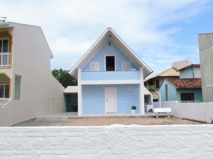 Ganhe uma noite no Casa Praia de Baixo, 50m da praia e 200 do centro. - Chalés para Alugar em Praia de Cima (Pinheira) no Airbnb!