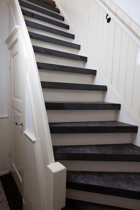 25 beste idee n over trapleuningen op pinterest trap leuning trap verlichting en trappen - Entreehal met trap ...
