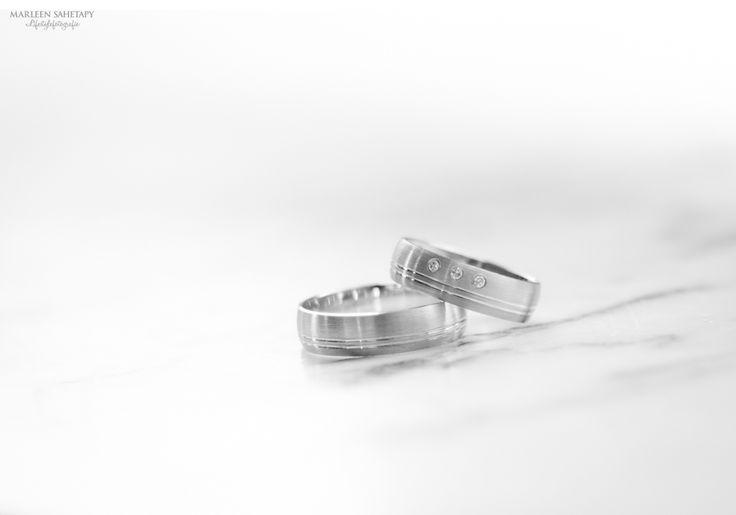 Ringshot, Weddingrings, Trouwringen Marleen Sahetapy Fotografie » lifestylefotografie, bruidsfotografie, portretten en zakelijke fotografie » Romantische bruiloft in de Belgische Ardennen