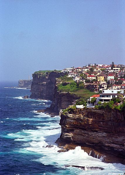 Google Image Result for http://www.dramaticphotographic.com/lr/syd02/photos/99083031_06_Vaucluse_By_MT_v33.jpg