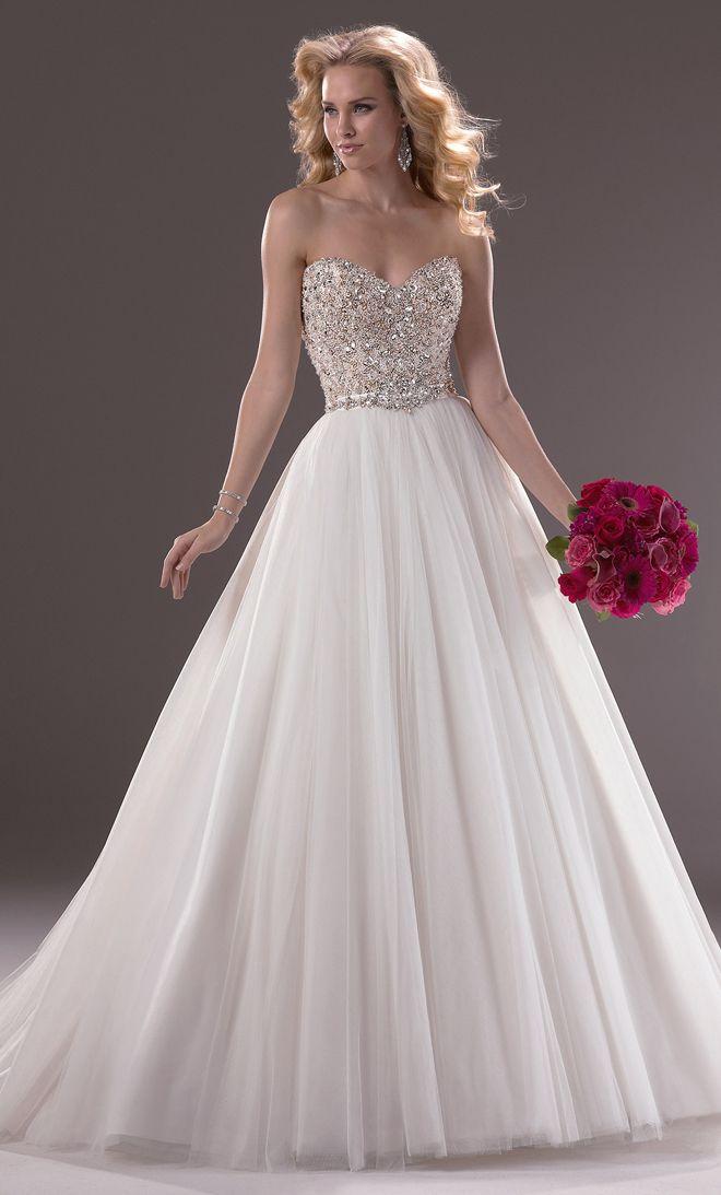 Vestido de novia corte princesa. Inspírate más en http://bodatotal.com/