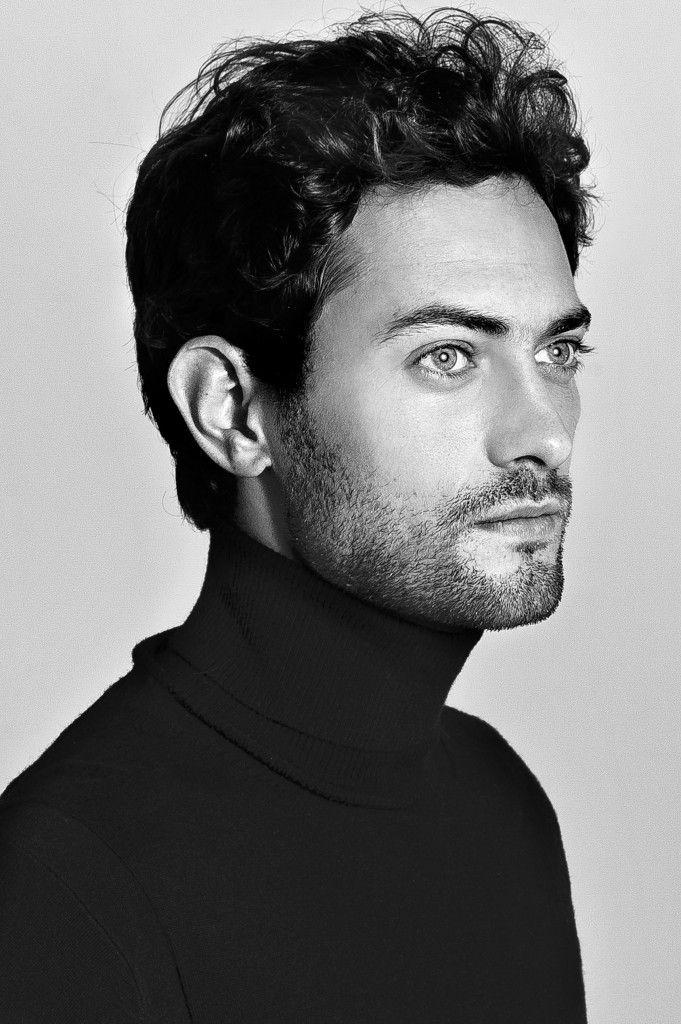 Peter Vives. Actor, Cantante y Pianista Español. (14/07/1987). 29 años.