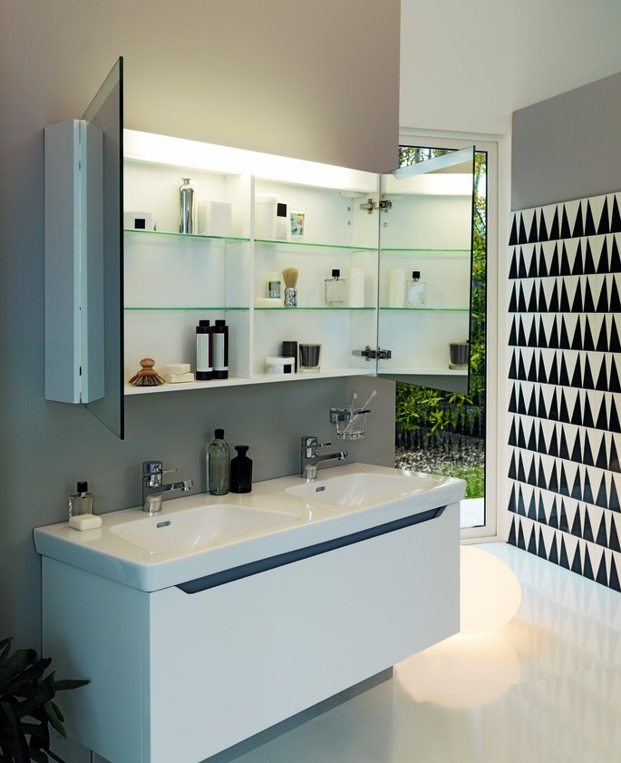 Bathroom storage. Moderna Plus. www.laufen.com