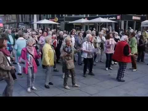 Auch in Köln wurde ein Senioren-Flashmob am #Weltseniorentag ausgerufen. #Alter #Flashmob