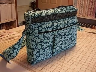 25 Great laptop tote tutorials amd patterns