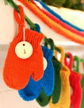 Smitten (a Holiday Garland) - Free Knitting Patterns by Emily Ivey