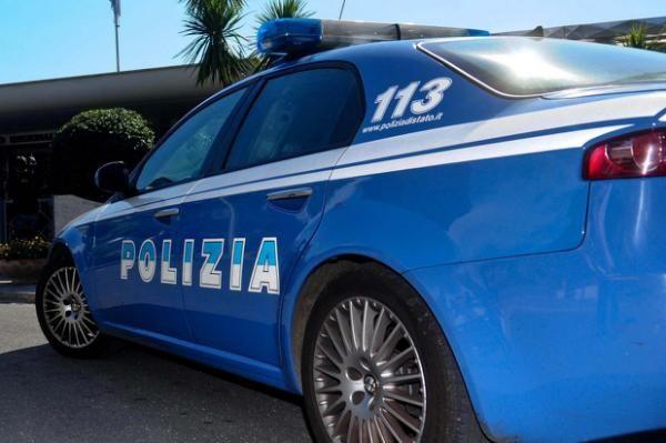 Roma, abusava della moglie e delle figliastre: arrestato 37enne - Yahoo Notizie Italia