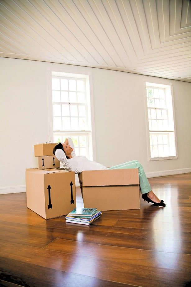 When it comes to shifting a home, the most important aspect is to pack things in a manner that not only keep them safe and damage free but also easy to for you to retrieve and reset at the new place. Among the various sections of the home, packing the things in a bedroom can be really challenging. #PackingandMoving #SpeedyPackersMovers