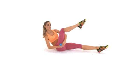 Léto je ještě daleko, ale měli byste začít cvičit už teď, pokud chcete být v co nejlepší kondici pro horké letní dny! Chodíte do posilovny, děláte cvičení na břicho, jíte zdravě, ale nevidíte ještě žádné viditelné výsledky? Nebojte se, existuje řešení! Provádějte tyto 4 cvičení a vyrýsuje se nejen vaše