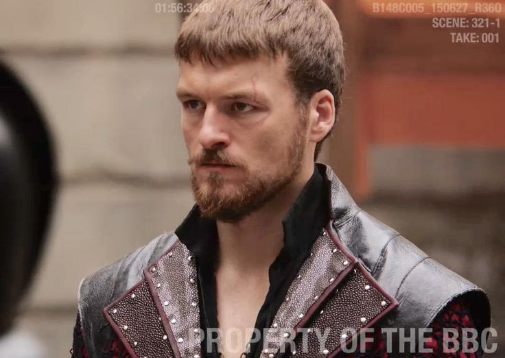 Well, hello there, dear... @PopeJessica #Musketeers 3 We have a new Captain of the Red Guard - the brilliant Matt Stokoe