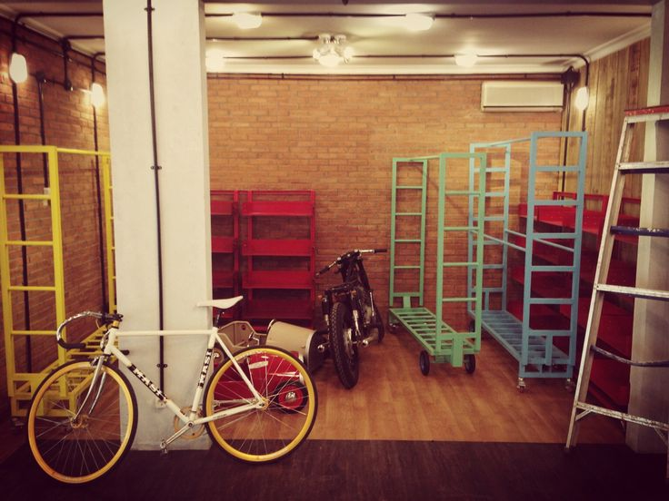 Masi bike and DIY clothing hanger and display