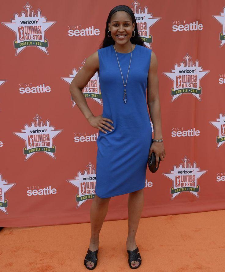 "Walking down the Orange Carpet... @MooreMaya if the @MinnesotaLynx! #WNBAAllStar"""