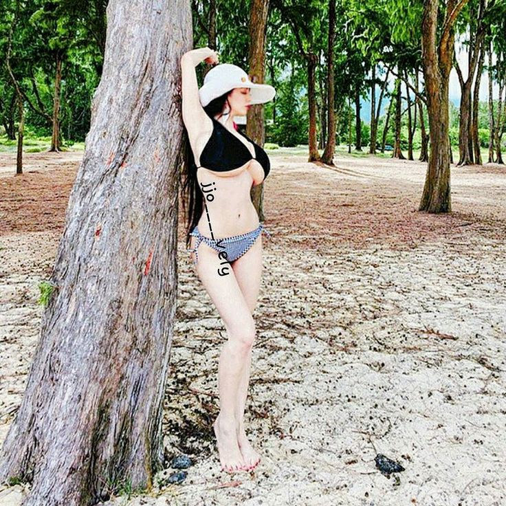 작년에 제주도휴가땐 여름이라 좋았는데 ㅠㅠ  올해는 아직 휴가철이아니라 바다도못들가고  아쉽당 !! 내일이면 제주도 안녕  열심히 윤동해서 여름에 다시와야징  by jjo____vely