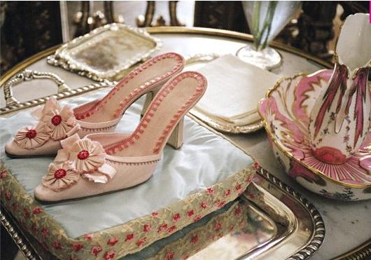 Pretty: French Pastries, Colors Combos, Marie Antoinette, Manolo Blahnik, Sofia Coppola, Hands Fans, Pink Shoes, Mary Antoinette Movie, Bridal Accessories